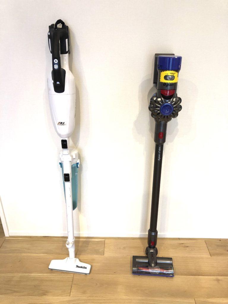 ダイソンとマキタのコードレス掃除機写真